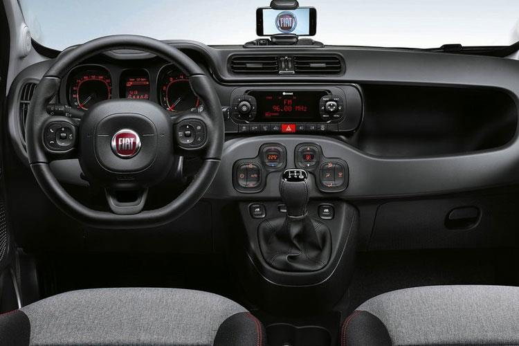Fiat Panda Hatch 5Dr 1.0 MHEV 70PS City Cross 5Dr Manual [Start Stop] inside view
